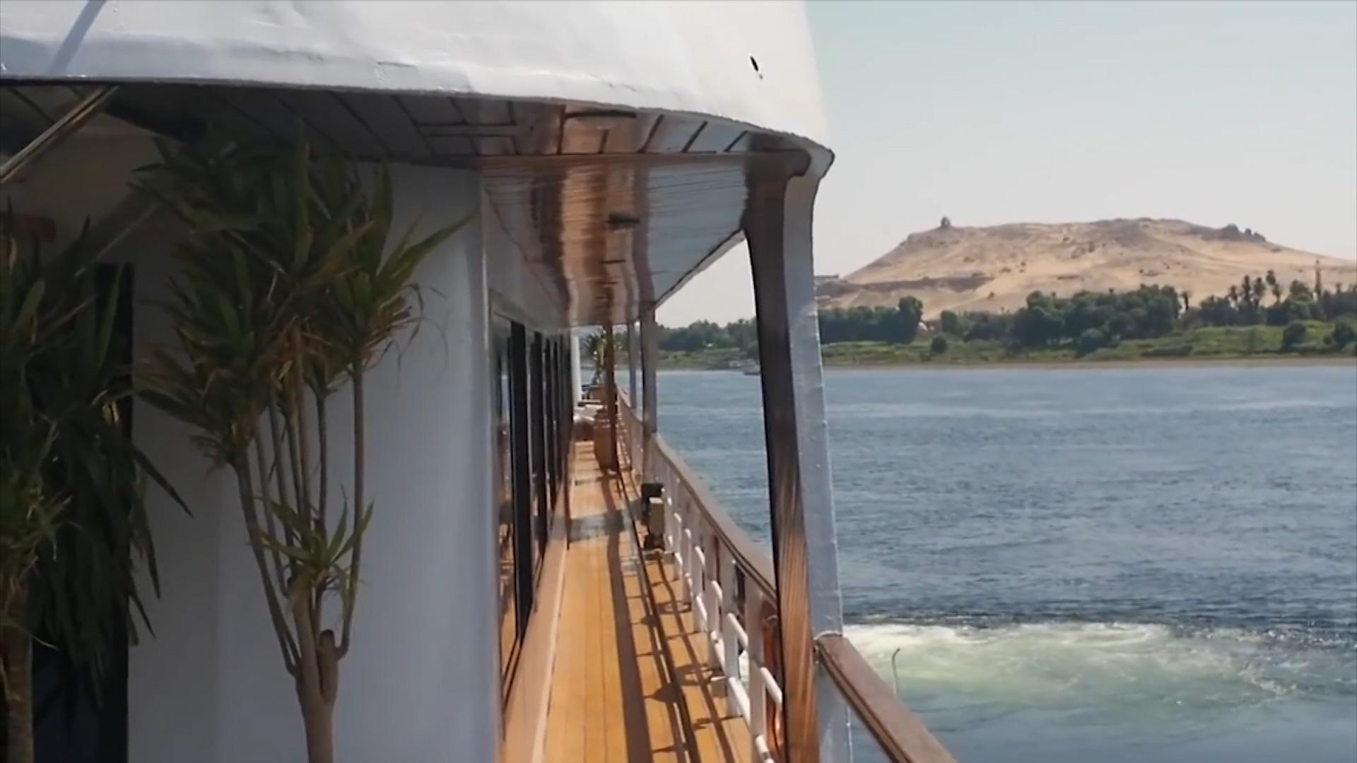 flusskreuzfahrten auf der donau boomen luxusschiff. Black Bedroom Furniture Sets. Home Design Ideas