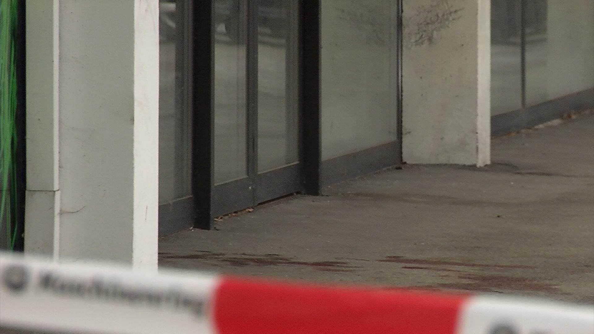 Blutverschmiert Und Fast Nackt Männerleiche In Steyr Entdeckt Lt